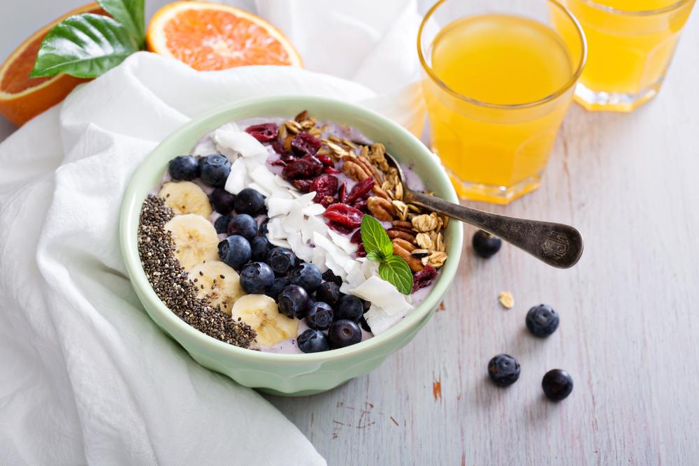 Trend-Food Smoothie-Bowl (Bild: © Elena Veselova - shutterstock.com)