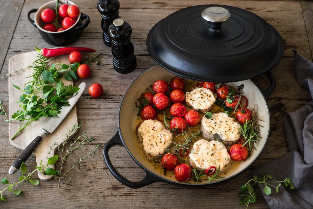 Le_Creuset_Gourmet-Profitopf_Ueberbackene_Schweinemedaillons_m.Ziegenkaese_2