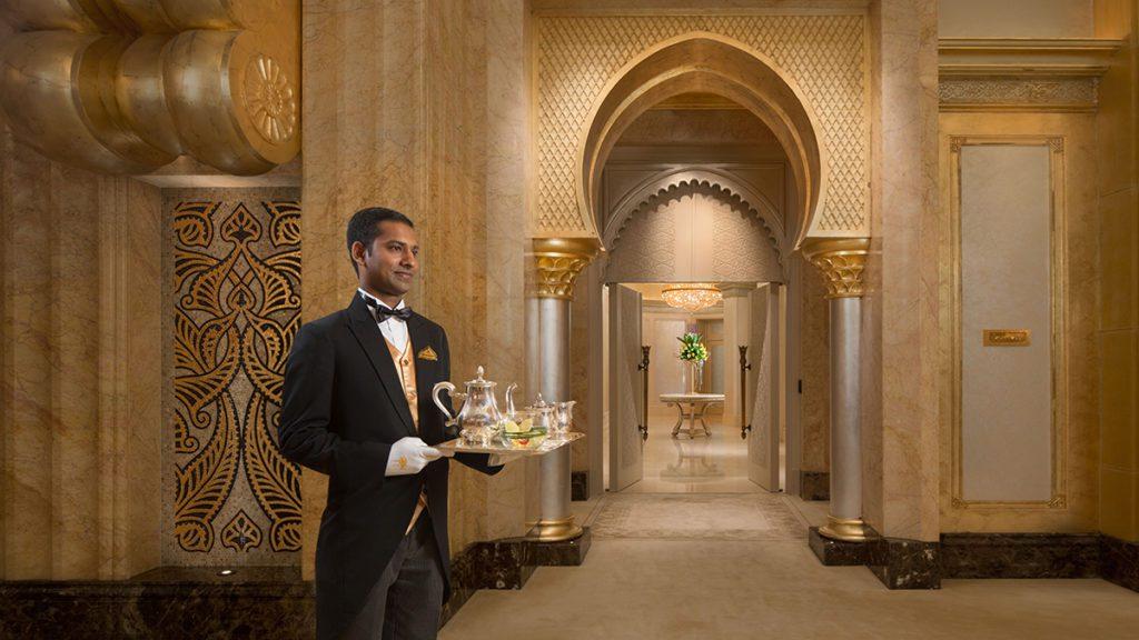 Palace Butler (© Emirates Palace Abu Dhabi)