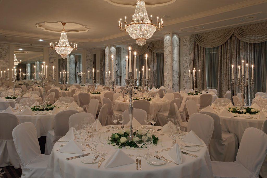 Meeting & Event - Bel Etage - Salon Trianon (© Hotel Schweizerhof Bern)