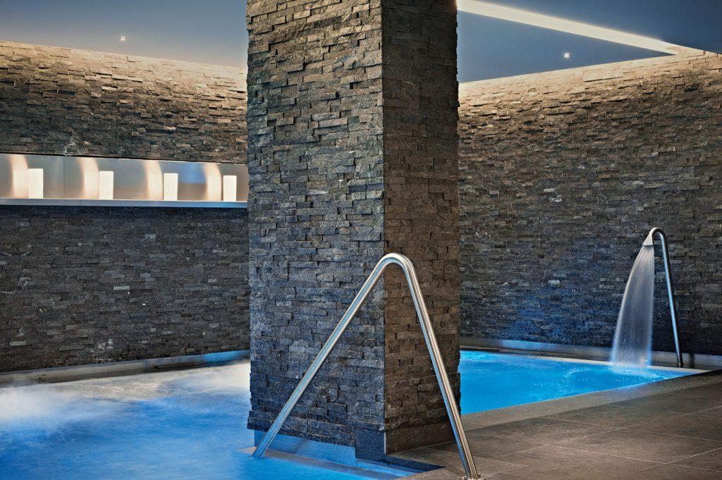 Spa Pool (© Hotel Schweizerhof Bern)