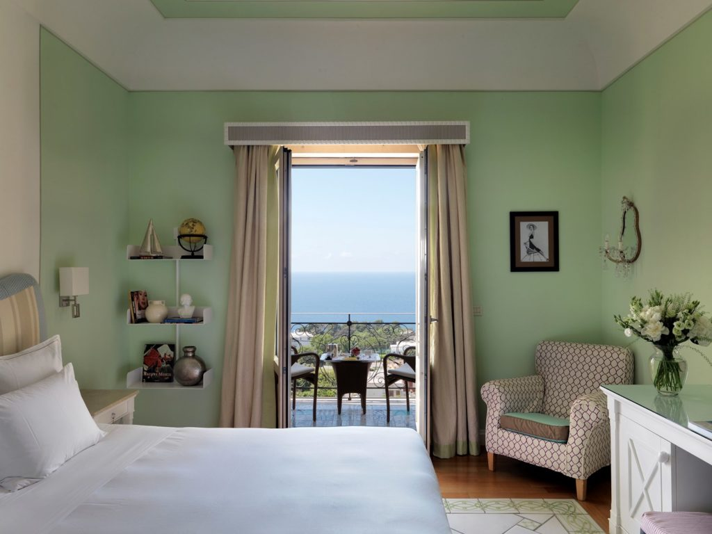 Capri Tiberio Palace_Suite_(c) Preferred Hotels and Resorts