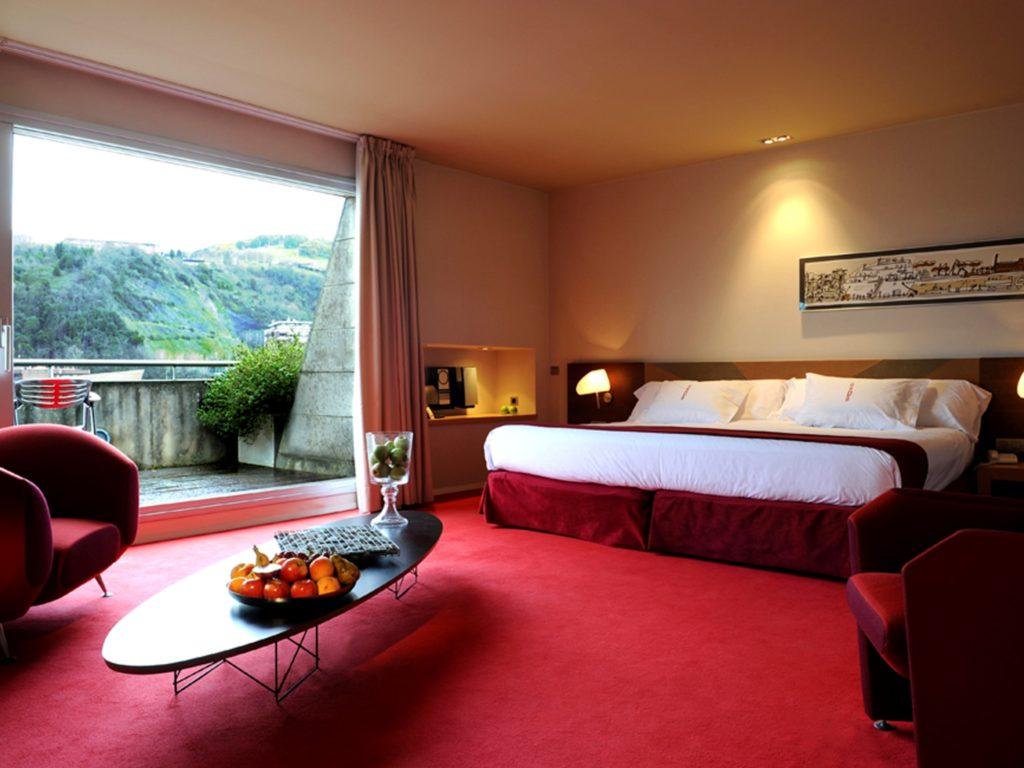 Gran Hotel Domine Bilbao_Junior Suite_(c) Preferred Hotels and Resorts