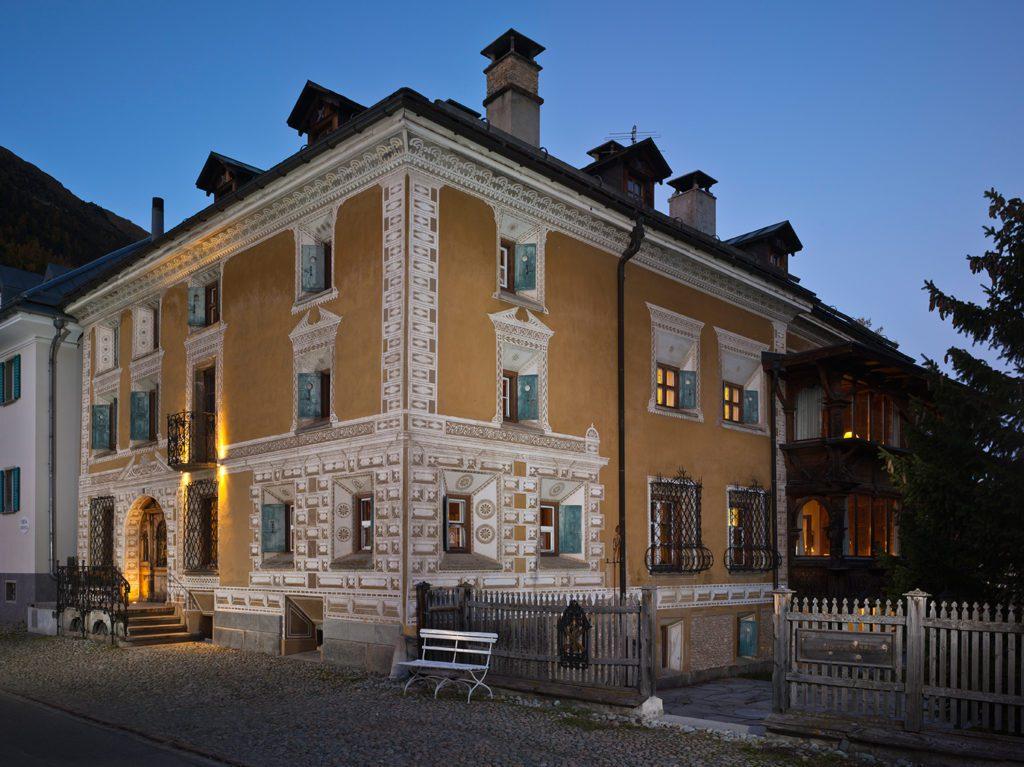 Hotel Chesa Salis - Hausansicht (© Garten Hotels Schweiz)