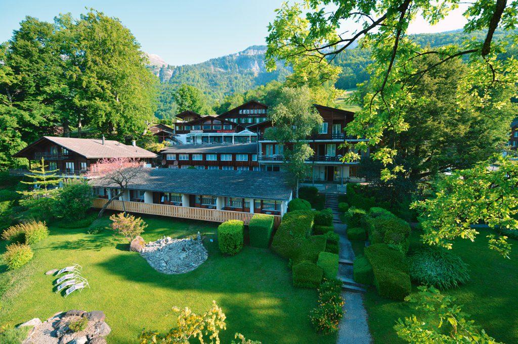 Hotel Lindenhof Hausansicht (© Garten Hotels Schweiz)