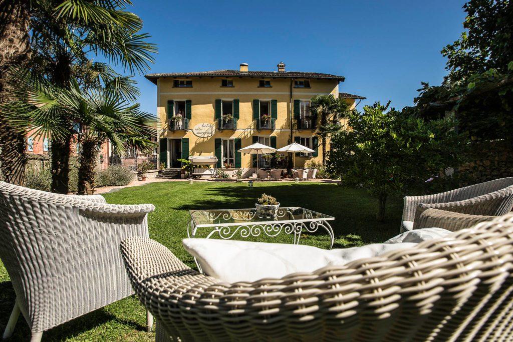 Hotel Villa Corona - Hausansicht (© Garten Hotels Schweiz)