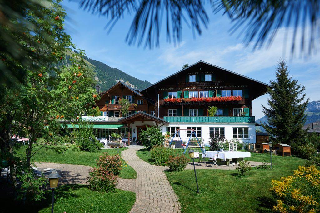 Hotel Waldrand - Hausansicht (© Garten Hotels Schweiz)