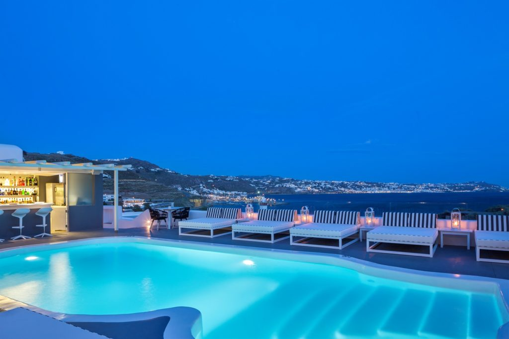 Mykonos Princess_Pool_(c) preferred Hotels and Resorts