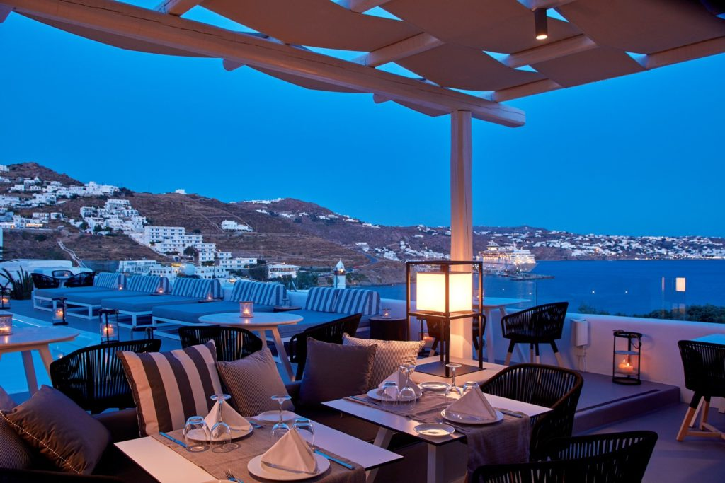 Mykonos Princess_Restaurant_(c) preferred Hotels and Resorts