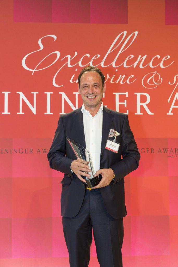 """Ausnahmewinzer Markus Molitor freut sich über die Auszeichnung """"Weinunternehmer des Jahres national"""" (© Sascha Kreklau)"""