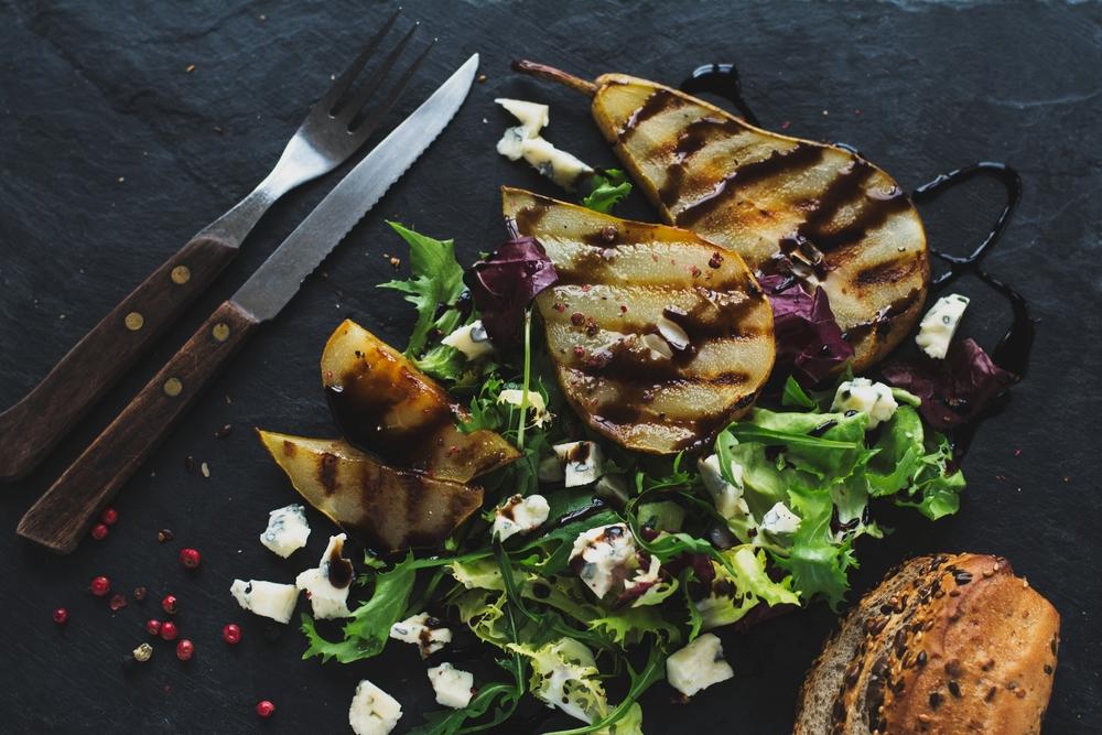 Mit Balsamico-Essig erhalten langweilige Gerichte eine interessante Note. (© Karolina Awizen - shutterstock.com)