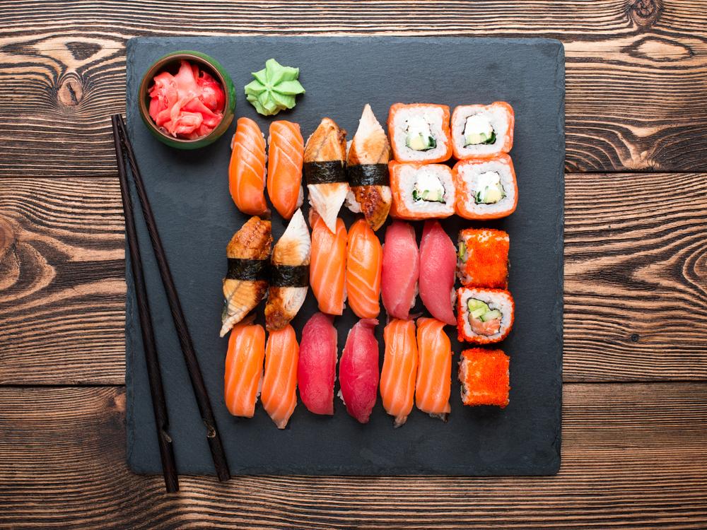 Sushi und Sashimi (Bild: © Malyugin - shutterstock.com)