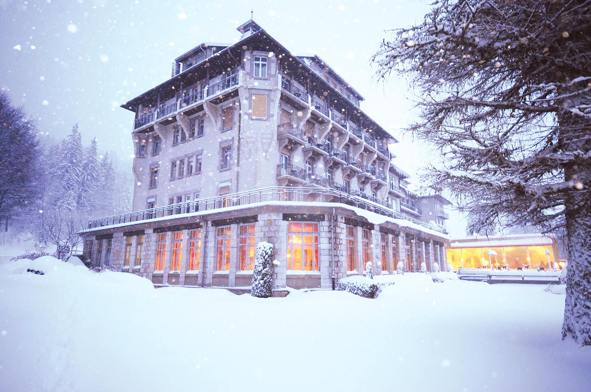 Grand-Hotel-des-Rasses-Batiment-Exterieur-Hiver