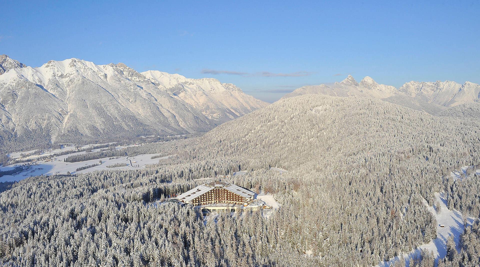 Interalpen-Hotel Tyrol_Aussenansicht 1