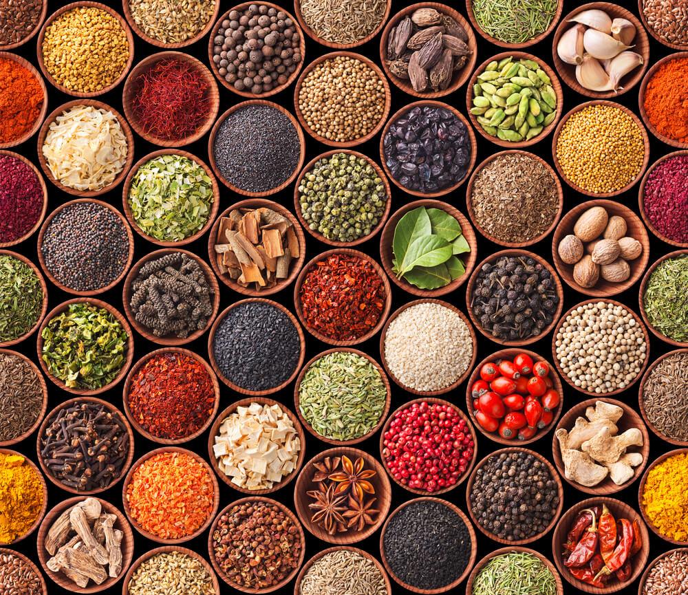 Natürlich kochen mit feinsten Zutaten (Bild: Andrii Horulko - shutterstock.com)